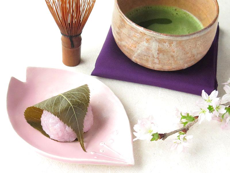 盛り付けが楽しくなる♪桜花釉でつくる桜色の小皿♪